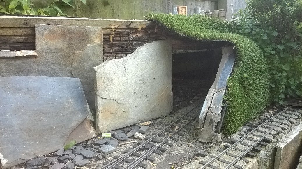 Knackered tunnel.jpg